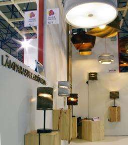 Presentaci n de novedades en iluminaci n en feria habitat valencia - Lamparas en valencia ...